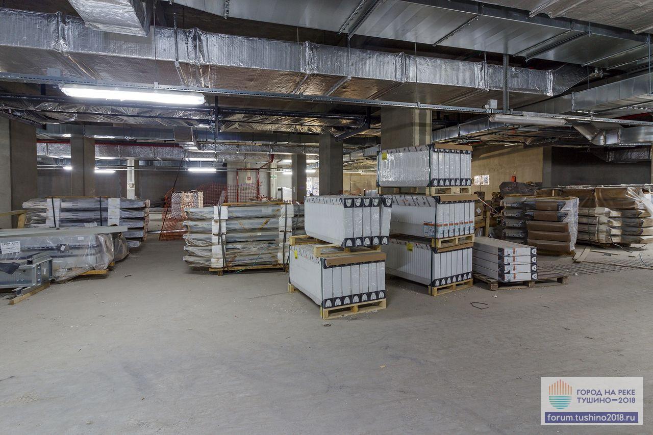 Квартал 2 Лифтовое оборудование OTIS и радиаторы Purmo перед монтажом
